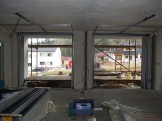 Montáž sekčních garážových vrat, JH-vrata Hlinovský