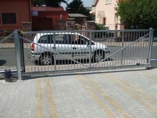 Posuvné vjezdové brány Plzeň