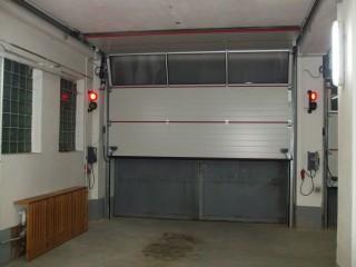 Sekční průmyslová garážová vrata, JH-vrata Hlinovský